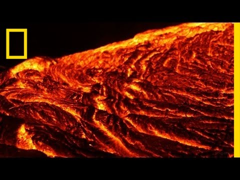 Hawaii's Lava Flow Is a Mesmerizing Force