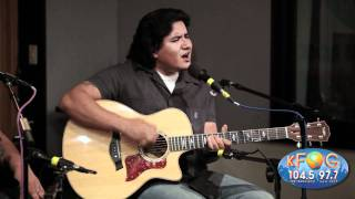 "Los Lonely Boys - ""Fly Away"" at KFOG Radio"