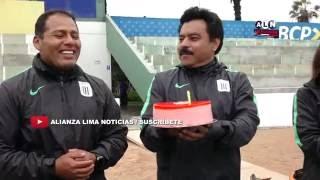 Fisioterapeuta de Alianza Lima recibe sorpresa por su cumpleaños