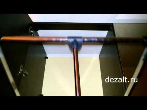 Распашной шкаф с зеркальными дверьми