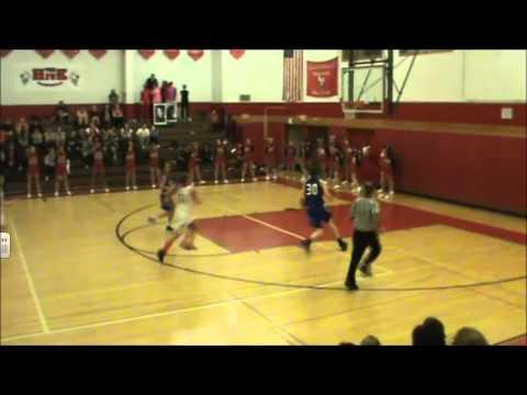 Breanna Stewart dunks during a C-NS game at Baldwinsville