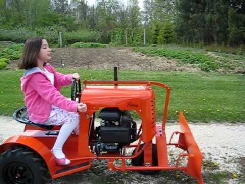 Bantam garden tractor youtube for Garden machinery for sale