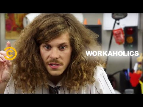 "Workaholics - Scoring Some Snacks, ""Ocean's Eleven"" Style"