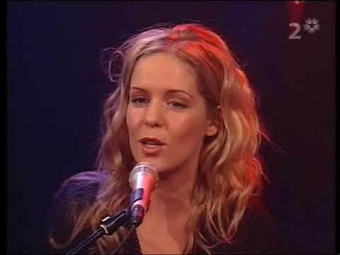 """Sofia Karlsson Tina Ahlin """"Olive tree"""" SVT Gokväll"""
