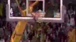Kobe Bryant dunks : I