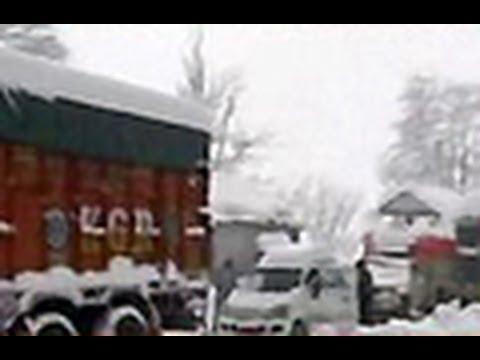 Heavy snowfall in Kashmir valley