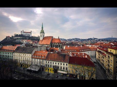 Viaggio a  Bratislava: la città vecchia,  il castello e la chiesa azzurra // TRAVEL VLOG