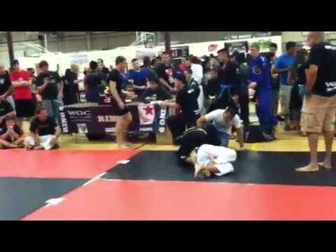Download Brandon Hoang BJJ fight in gi on 6/16/2012 at the Woodlands.