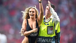 Naked girls run on to the field Half Naked Girl Running On Pitch Champions League Final 2019 Youtube