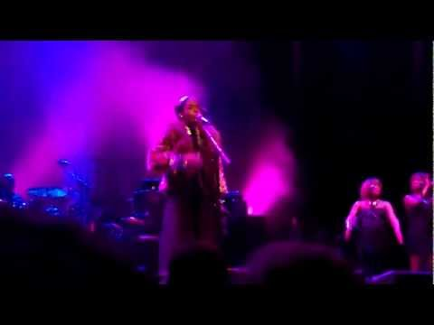 I Used To Love Him by Lauryn Hill live at Caeser's Atlantic City, NJ 2/25/12