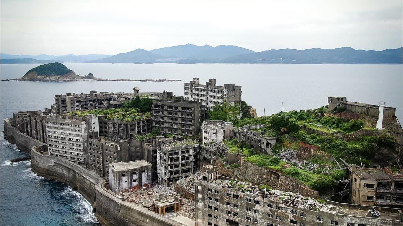 Exploring Worlds Largest Abandoned City In Hashima Island Gunkanjima Battleship Island