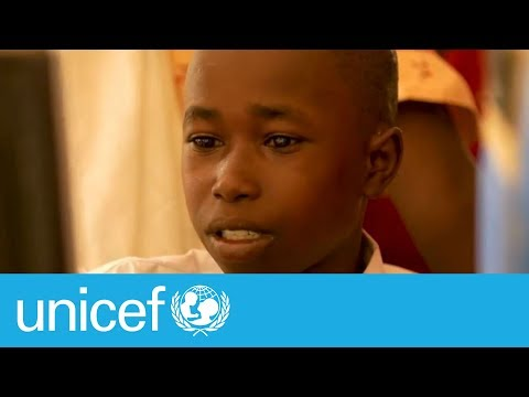Children accessing internet for the first time in Chad | UNICEF