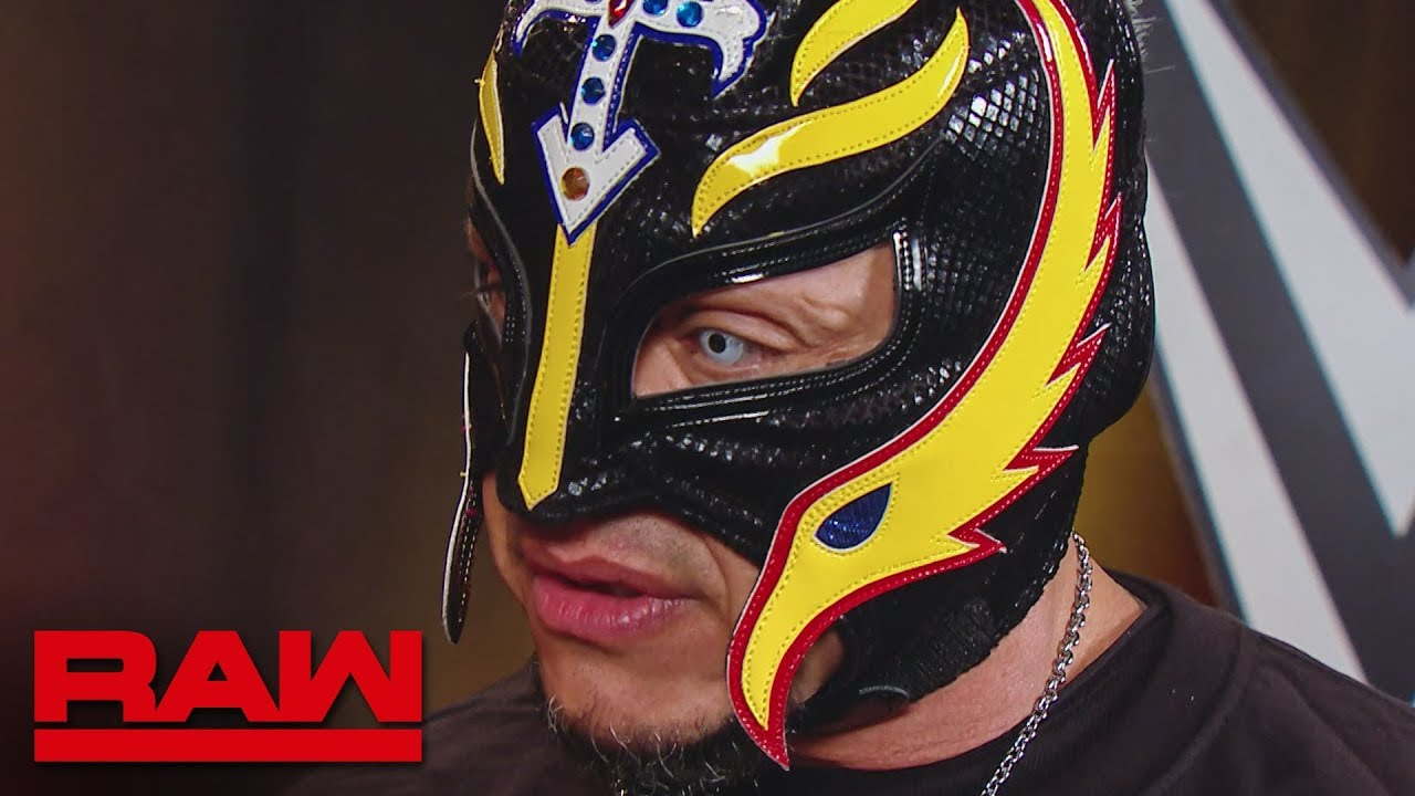 Rey Mysterio shares a touching moment with the WWE Universe: Raw, Sept. 2, 2019