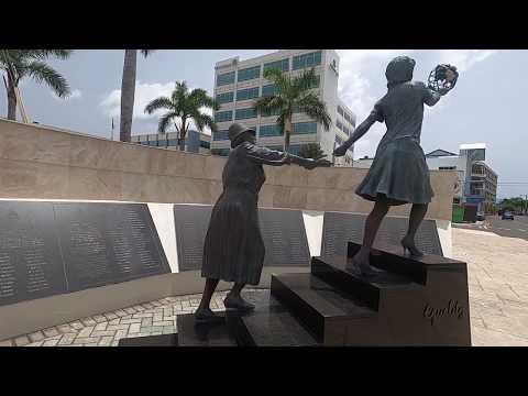 Cayman Islands Tour - Walking Through George Town, Grand Cayman | JCanInCayman