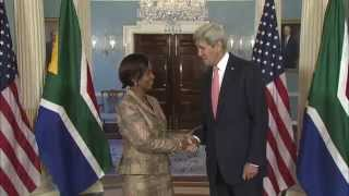 Secretary Welcomes South African Foreign Minister Nkoana-Mashabane