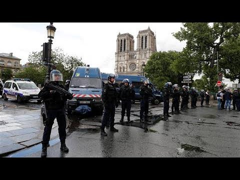 French Police Investigate Attack at Notre Dame