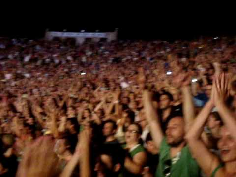 James Sometimes Crowd Singing Thessaloniki 16 July 2009