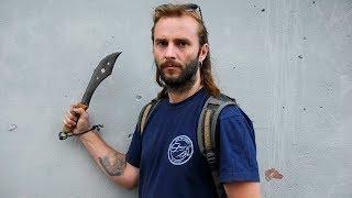кованый нож из рессоры, способный перерубить гвоздь
