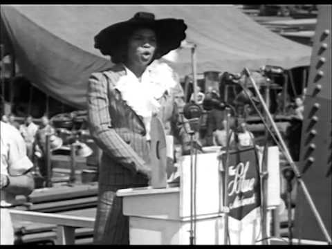 Marian Anderson Sings the Star Spangled Banner 1942, Lincoln Memorial 1939