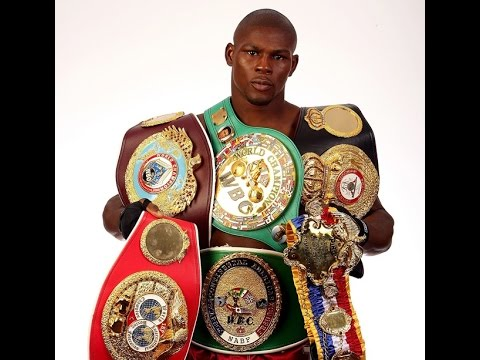 Has Floyd Mayweather ever been Undisputed  Champion?