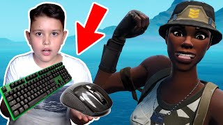 🖱️⌨️my little brother plays 1 time with MAUS and TASTATUR around RECON EXPERT Account in Fortnite
