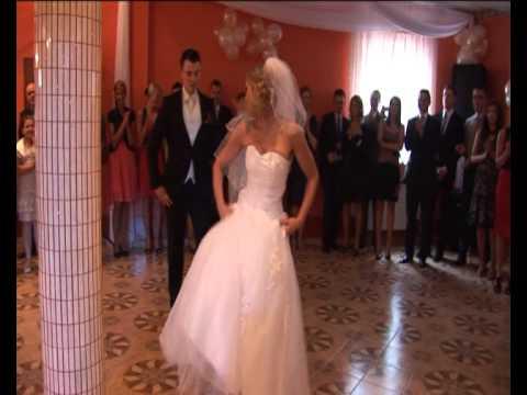 pierwszy-taniec-na-wesoło-:):)---agnieszka-i-bartek-18.06.2011