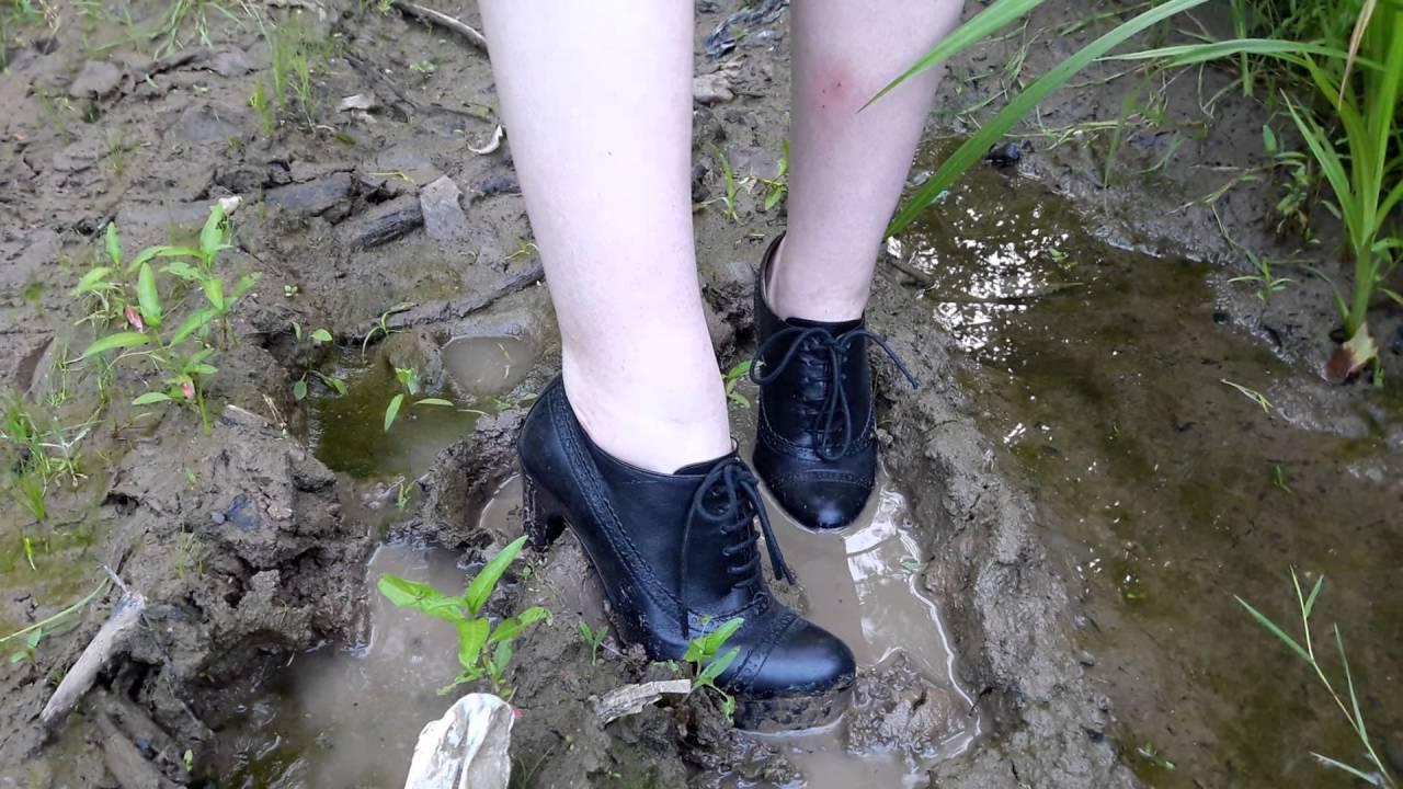 грязные сапоги видео девочки