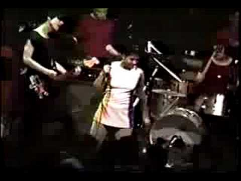Bikini Kill - Suck My Left One & Rebel Girl (live 1992)