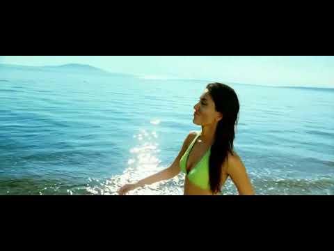 Kareena kapoor tashan bikini pictures