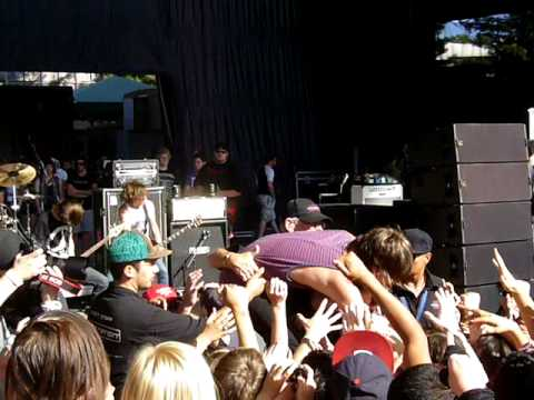 WARPED TOUR 2010: I See Stars - The Common Hours - Mountain View