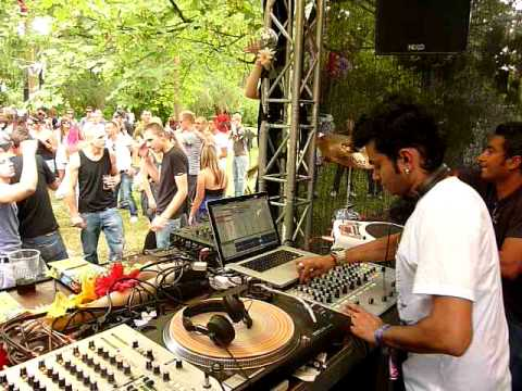 Arjun Vagale & Ash Roy (Jalebee Cartel) @ Beatplantation_Juicy Beats