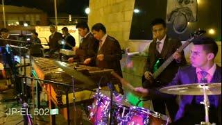 Sonal ko konob-tocando desde la Plaza del Mariachi en Los Angeles California 29/11/2015