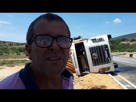 """MOTORISTA COMENTA ACIDENTE COM CAMINHÃO CARREGADO DE SISAL NA """"ROTATÓRIA DA MORTE"""""""