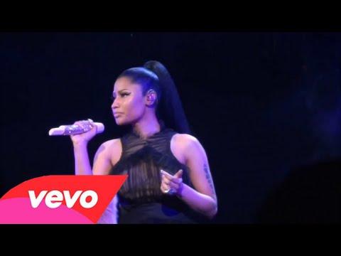 Nicki Minaj - Grand Piano (Live)