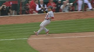 STL@CIN: Wong reaches on bunt single in the eighth