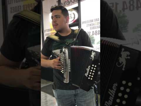 Fiera de ojinaga Acordionista @ royal shave barber shop garland Tx playing my accordion