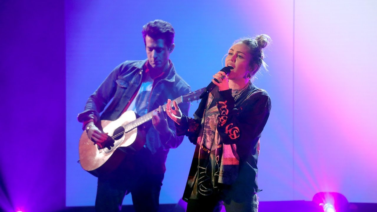 Miley Cyrus & Mark Ronson Perform 'Nothing Breaks Like A