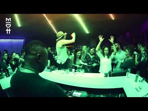 DJ Shimza rocking DJ Vitoto   OMG at Uberdooze ThessalonikiGreece