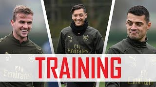 Mesut Ozil's at it again! | Training pre-Wolves