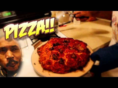 THE WORST PIZZA EVER MADE | Cooking With Kenshin #4 [400,000 Subscribers]