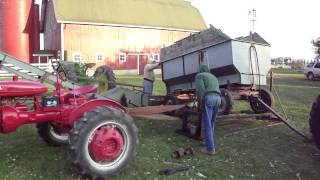 "Farmamerica 2013 Corn Harvest Part 2 ""filling The Corn Crib"""