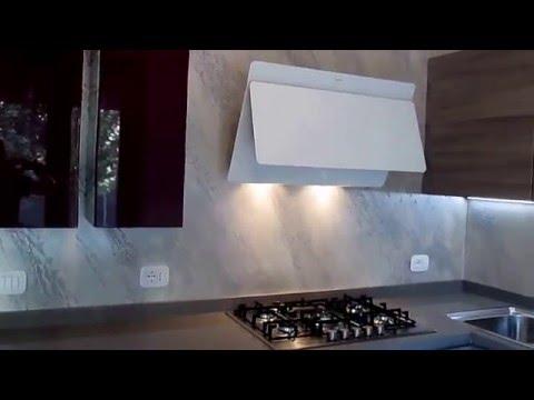 Come fare un rivestimento cucina senza piastrelle con la - Cucina senza piastrelle ...