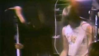 ramones playing Gabba Gabba Hey live 1977.