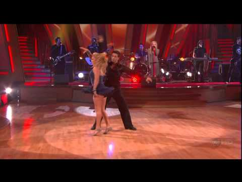 Avril Lavigne - Complicated @ Live at Dancing With The Stars 20/11/2007