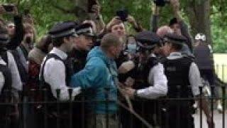 London police make arrests at anti-lockdown rally