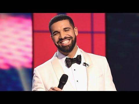 Drake Showing Off NEW BOO At 2017 NBA Awards!?