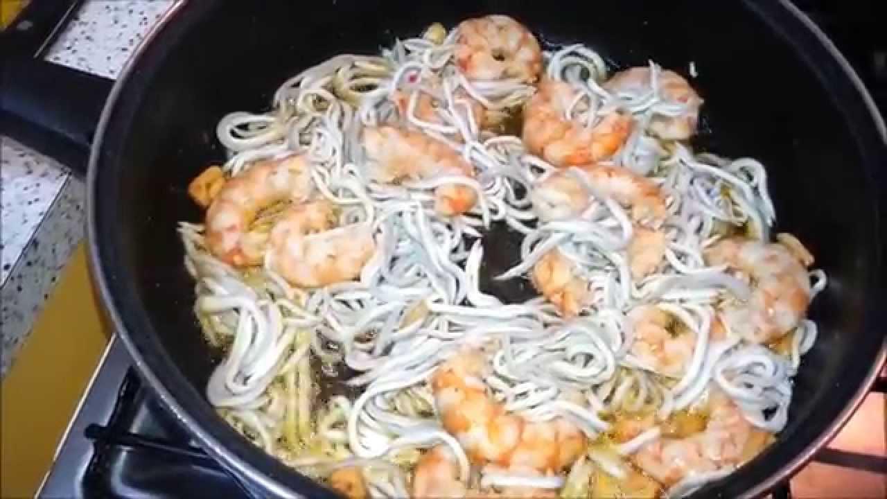 Espaguetis con gulas y gambas youtube - Espagueti con gambas y nata ...