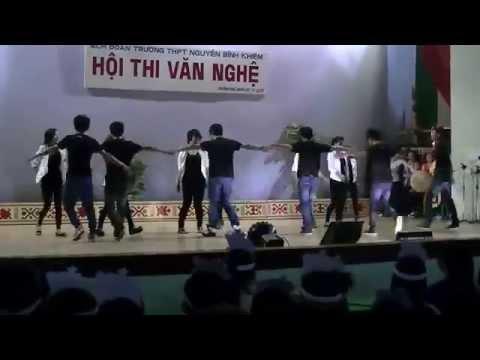 12A2 NBK Đăk Lăk- Dance Cry Cry và cái gì đó ta không biết =)) 25/03/2012