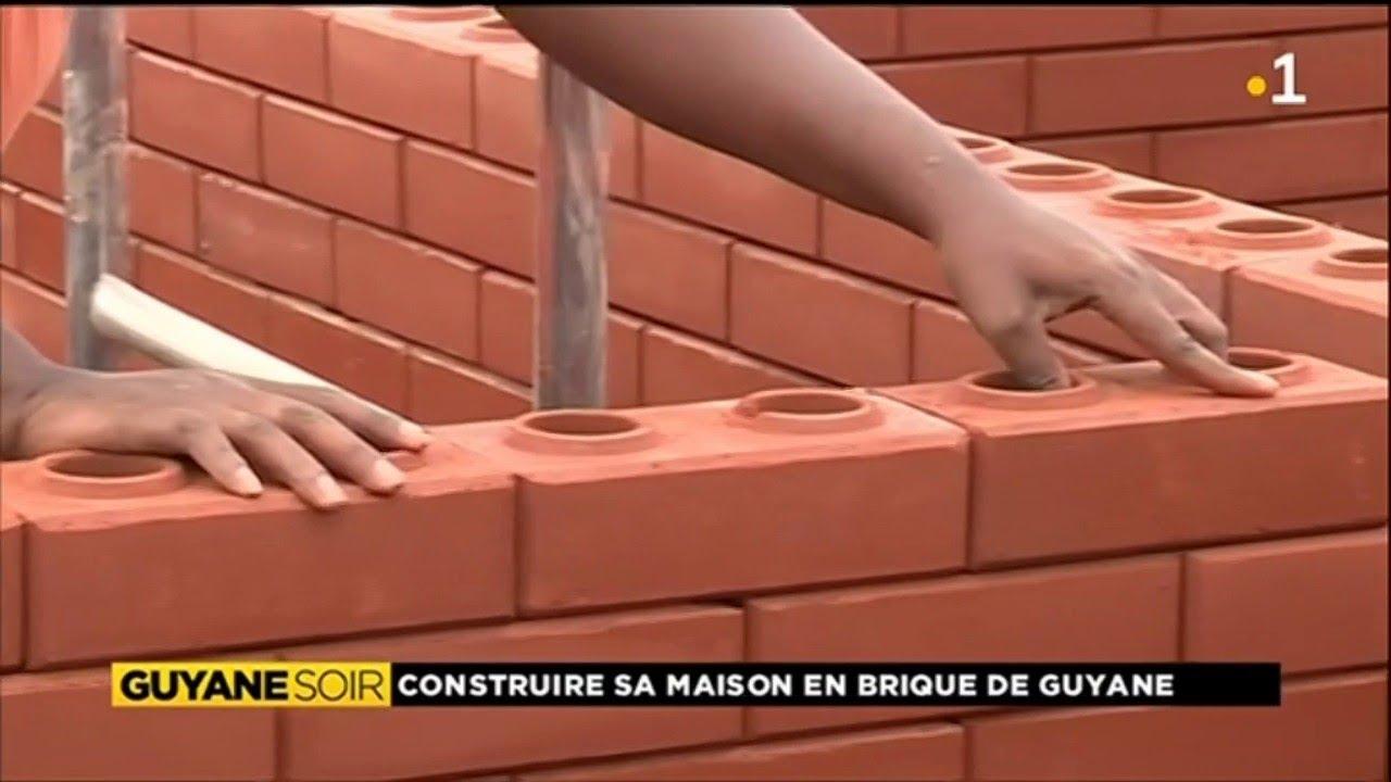 Construire sa maison en utilisant comme mat riau la brique youtube - Construire une maison en terre ...