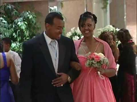 bridal-party-&-newlywed-entrance-at-oromo-wedding-reception-|-toronto-videography-photography